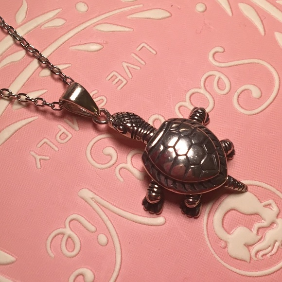 Jewelry - NEW Sterling Silver Turtle Pendant